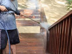 Do Pressure Washing Companies Use Your Water?